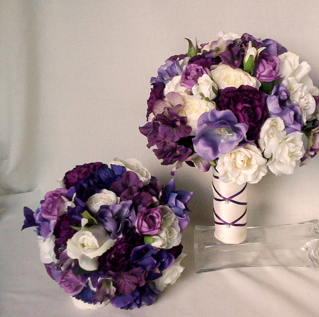 Items similar to Purple Bridal Bouquet Silk Wedding ...