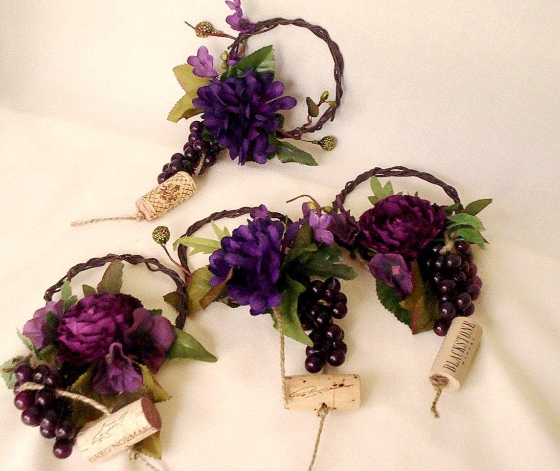 Wine Wedding: Wine Bottle Toppers Purple Grape Weddiing Centerpieces Set Of