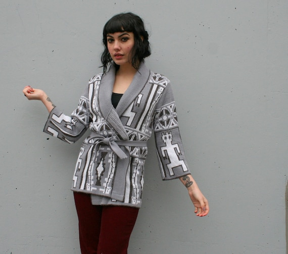 1980s BELTED CARDIGAN / Cozy Gray Ethnic People Cardi, xs-m