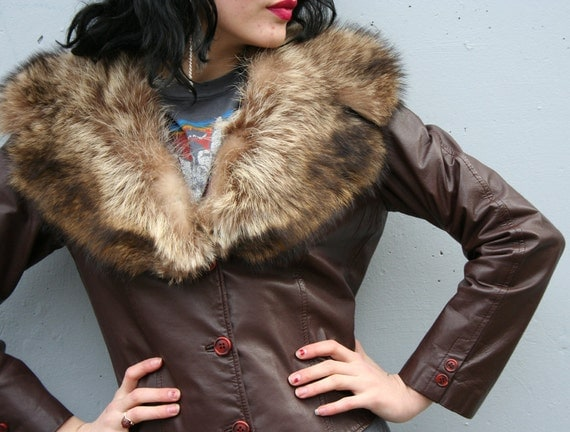 70s LEATHER JACKET / Fitted Chocolate Brown with Fluffy Fur Collar, xs-s