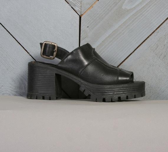 90s PLATFORM SANDALS / Black Slingback Open Toe Shoes 7