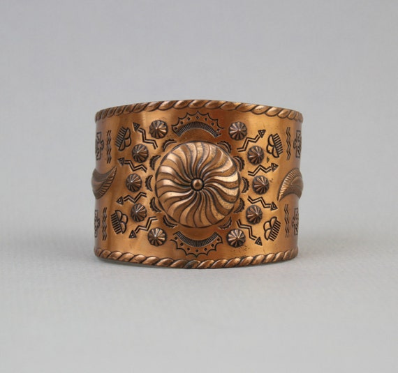 60s COPPER CUFF / Wide Native Carved Navajo Bracelet