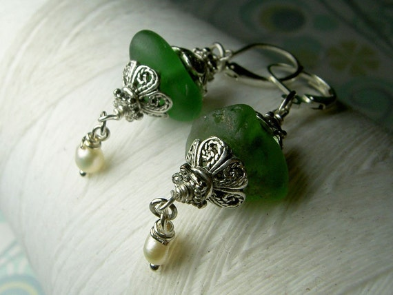 Ghostly Victorian - vintage green seaglass filigree and sterling silver earrings