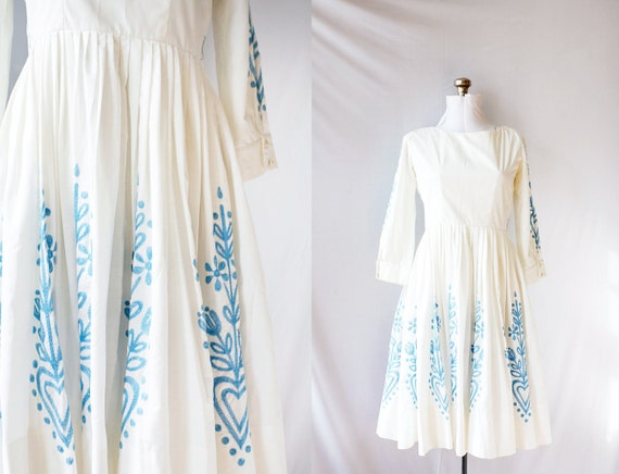 Vintage 50's 60's Dress White  Blue  Embroidery Button Back