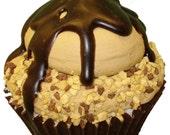 Eggnog Bomb Cupcake (6oz)