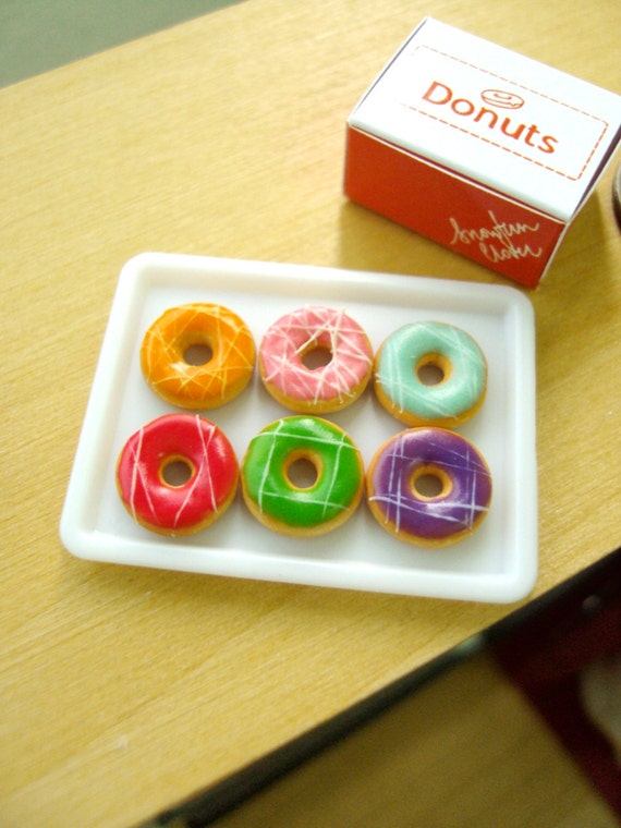 Dollhouse Miniature - 6 Colourful Donuts in Orange Donut Box