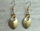 Single Leaf Aluminum Chainmaille Earrings in Gold
