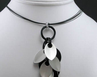 Chainmaille Dancing Leaves Y-Necklace