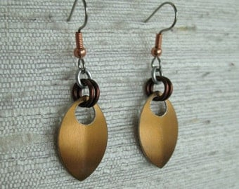 Single Leaf Chainmaille Earrings in Bronze