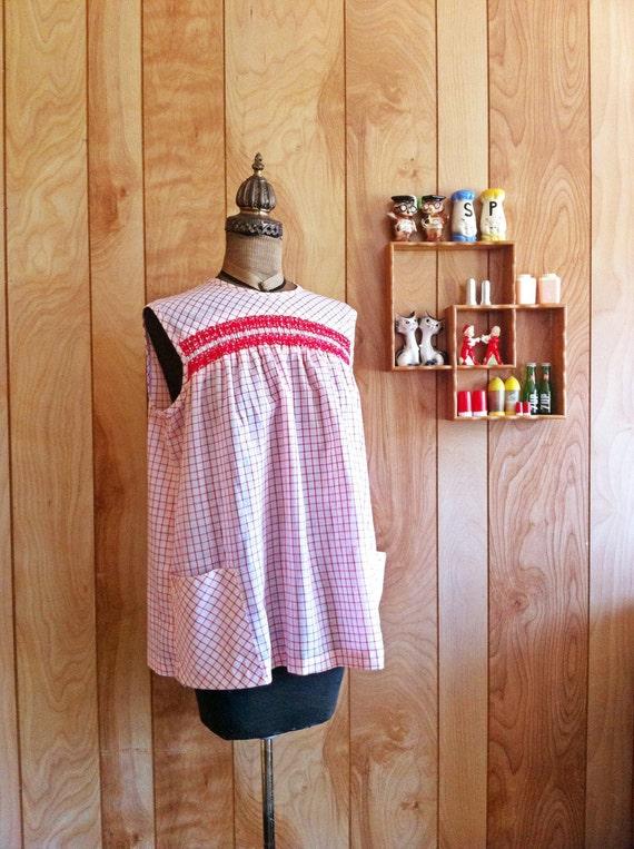 1960s Cotton Maternity Sleeveless Blouse