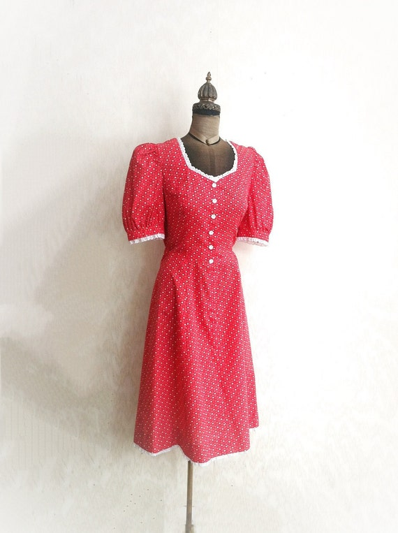 1970s Hearts Dress - Red Puff Sleeves