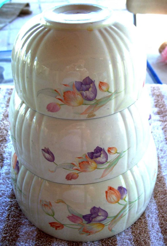 Hall's Superior Hall  China TULIP Set of Three Mixing  bowls Flowers