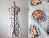 1950s dress - vintage 1950's midcentury castle print dress