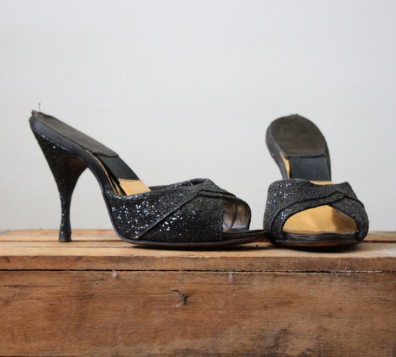 1950's constellation pumps size 5