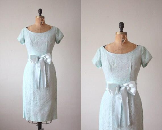 1950s dress - mint lace wiggle dress