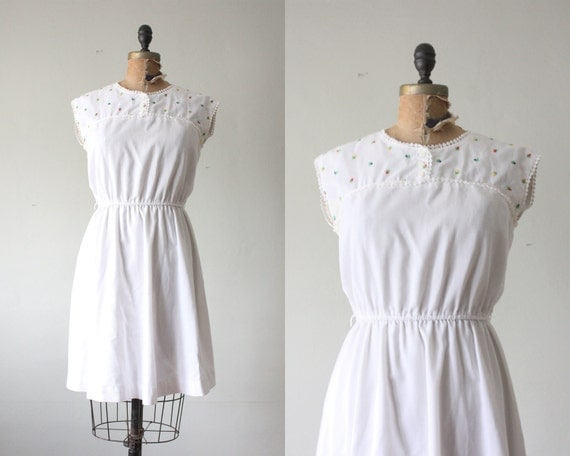 vintage 1970's dress - embroidered sundress