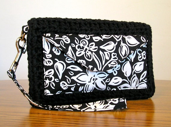 Organizer wallet wristlet in black and white floral