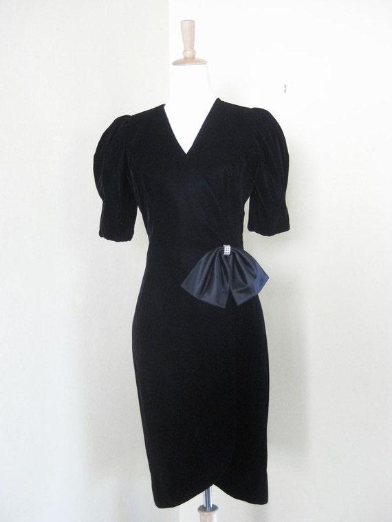 Vintage Velvet Black Dress Holiday Party Dress M L Medium Large Prom Wedding 1980s Rhinestone Satin Bow