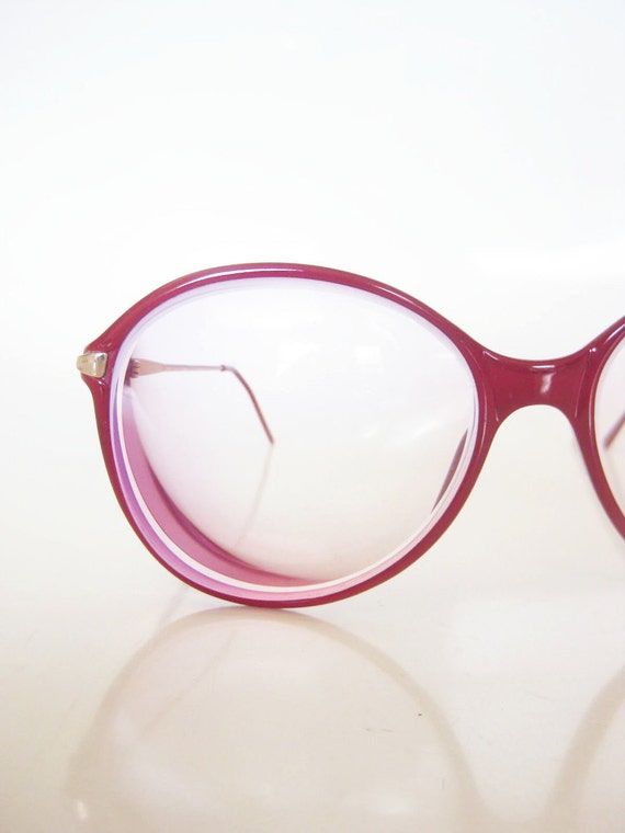 Vintage 1980s Glasses / 80s ROUND Crimson Eyeglasses / Indie NERDY Womens Ladies Optical Frames
