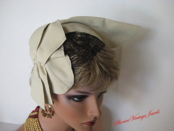 Vintage Cocktail Hat. Sculpted Bow  Beige  Bold Bandeau