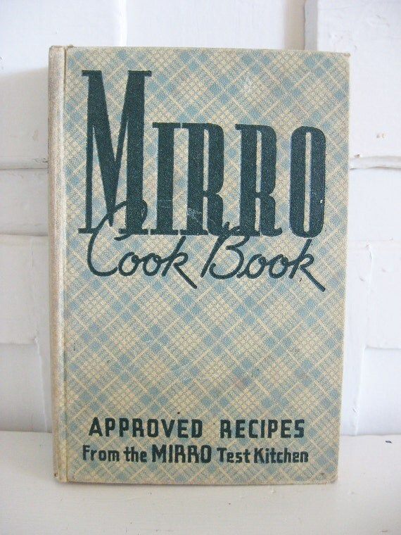 Checkered Cover Cookbook : Vintage cook book mirro blue and white
