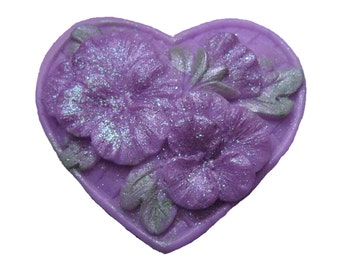 Pansy Heart Soap  - Organic Soap -  Purple Flowers - Decorative Soap -  Glycerin Soap  - Moisturizing Soap  -  Lilac Scent