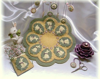 Vintage Bunnies Penny Rug/Candle Mat Set DIGITAL PATTERN