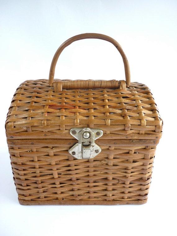 Cute Vintage Straw Basket