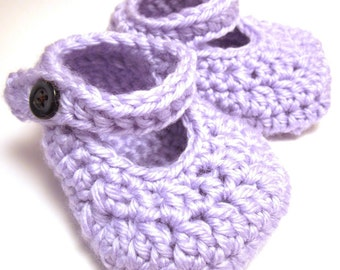 Simple Mary Janes (Crochet Pattern)