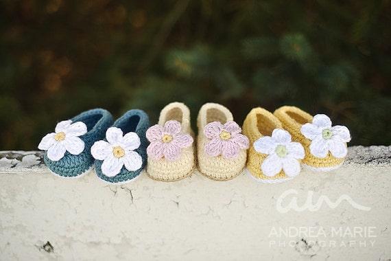 Baby Slip-On Booties (Crochet Pattern)