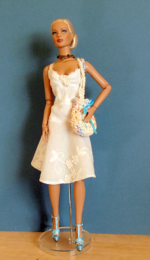 Tonner Tyler Wenthworth Doll  White Linen Sundress with Crochet Bag