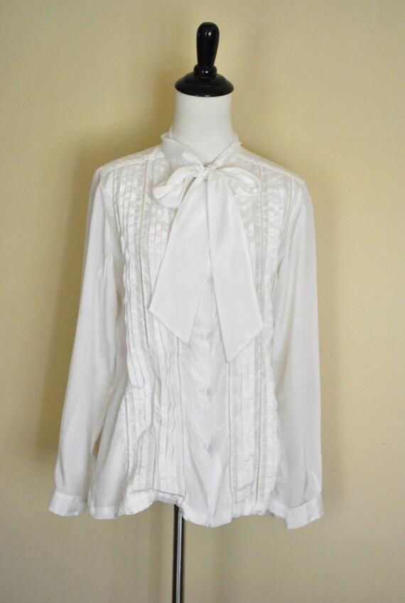 1970s White Bow Blouse by Oscar de la Renta/ Tuxedo Top/ Size Medium