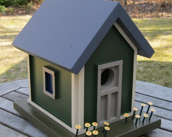 Birdhouse with Hanging Hook, Green with Tan Trim