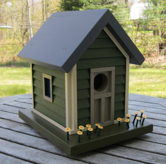 Birdhouse, Donette's Cottage with Green Siding