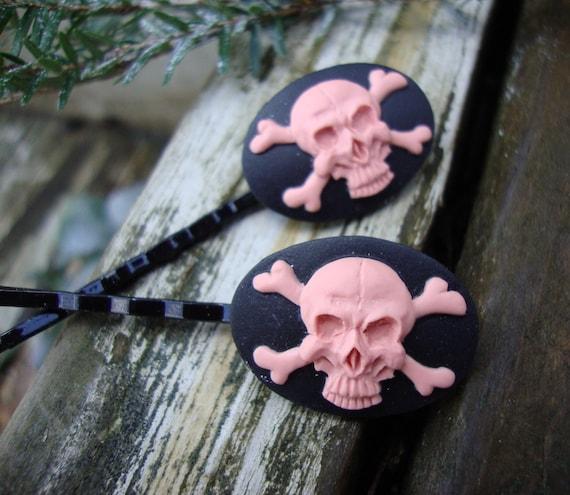 Pinky Skulls Hair Clips