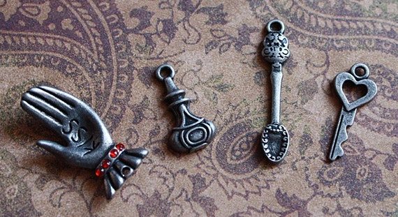 4 QTY//ANTIQUE SILVER VICTORIAN CHARMS SET