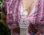 MOD NECKLACE White Enamel FILIGREE Fringe Pendant Necklace