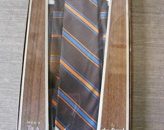 Vintage Tie Set MENS NECKTIE SET Gift Ensemble from Don Doral in Faux Bois box- Tie and Handerkerchief in Brown Stripe