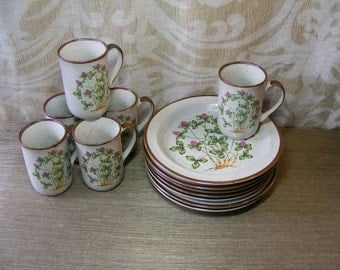 12 Piece Vintage Dish Set SWEET CLOVER Japan Stoneware Plates & Mugs, Breakfast, Luncheon