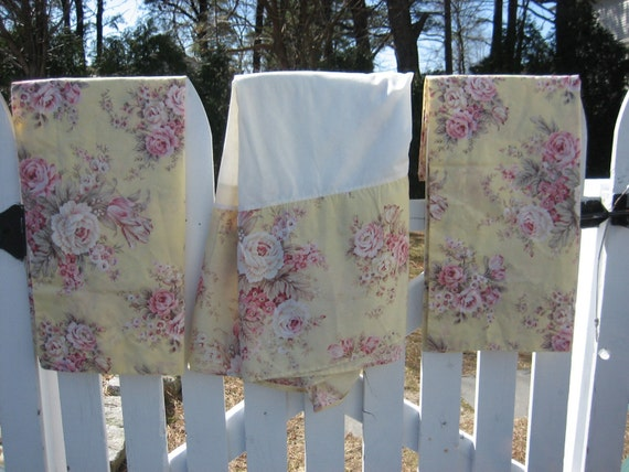 Shabby Chic Tulip Rose Floral Bouquet Bed Skirt By