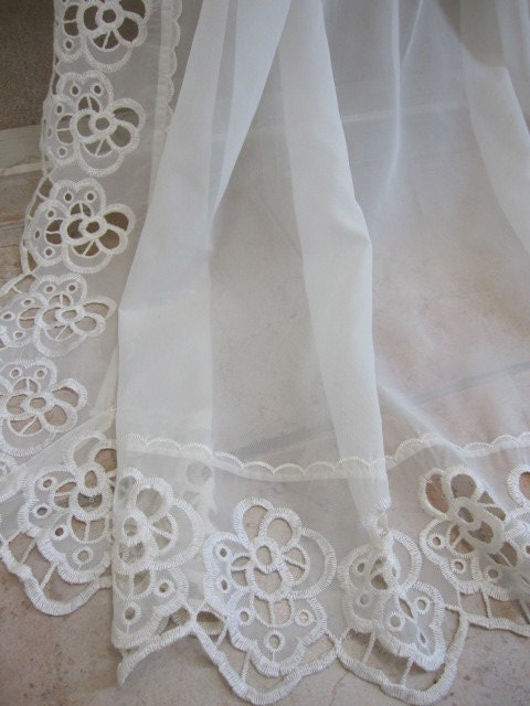 Reduced Vintage Lace Curtain Sheer Macrame Lace Embroidered