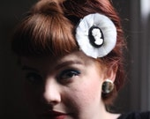 Monochrome darling tulle hair clip with cameo