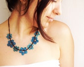 Azure blue glass flowers necklace - Free Worldwide Shipping