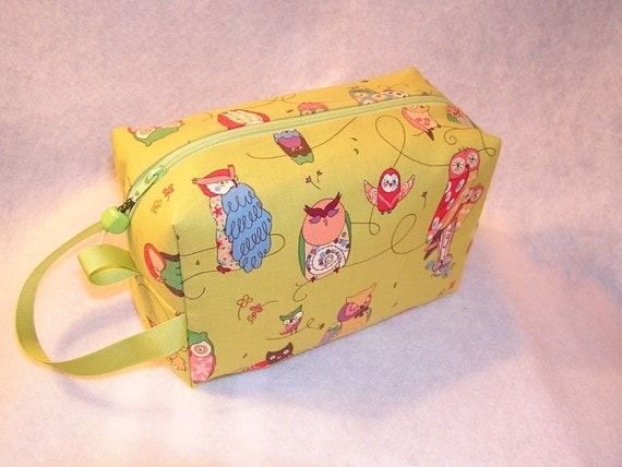 Spotted Owls on Green Mini Bag