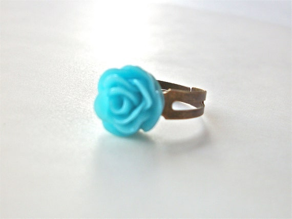 Turquoise rose ring with adjustible antique brass bronze ring, aqua resin flower cabochon ring