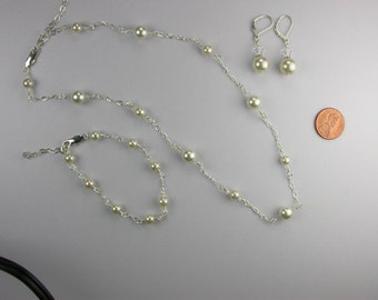 Creamy Swarovski Pearl Necklace Set