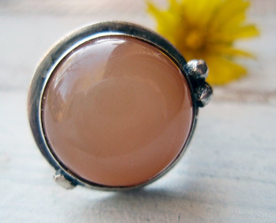 moonstone ring... pink moon
