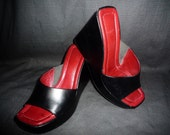 WEDGED IN - Vintage - Donald Pliner - Black - Leather - WEDGE - Heels - made in Italy - size 5 1/2