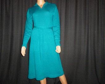 "Don't SWEAT it - Vintage Late 1970's or 1980's - Kelly Green - Kint SWEAT-ER - Dress - size Medium - 36"" -  38"" bust"