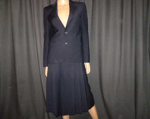 Reserved - Well Suited - Vintage 90's - Nordstrom - Navy Blue - Kick Pleat - Wool Skirt and Blazer - Power Suit - Set  - nearly new - size 6